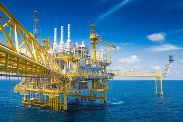 Injection of methanol, glycol and inhibitors in offshore applications